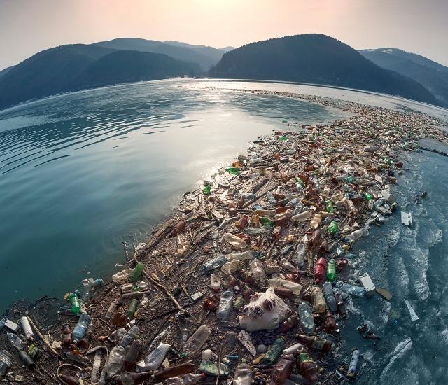 ファッション 海洋ゴミ
